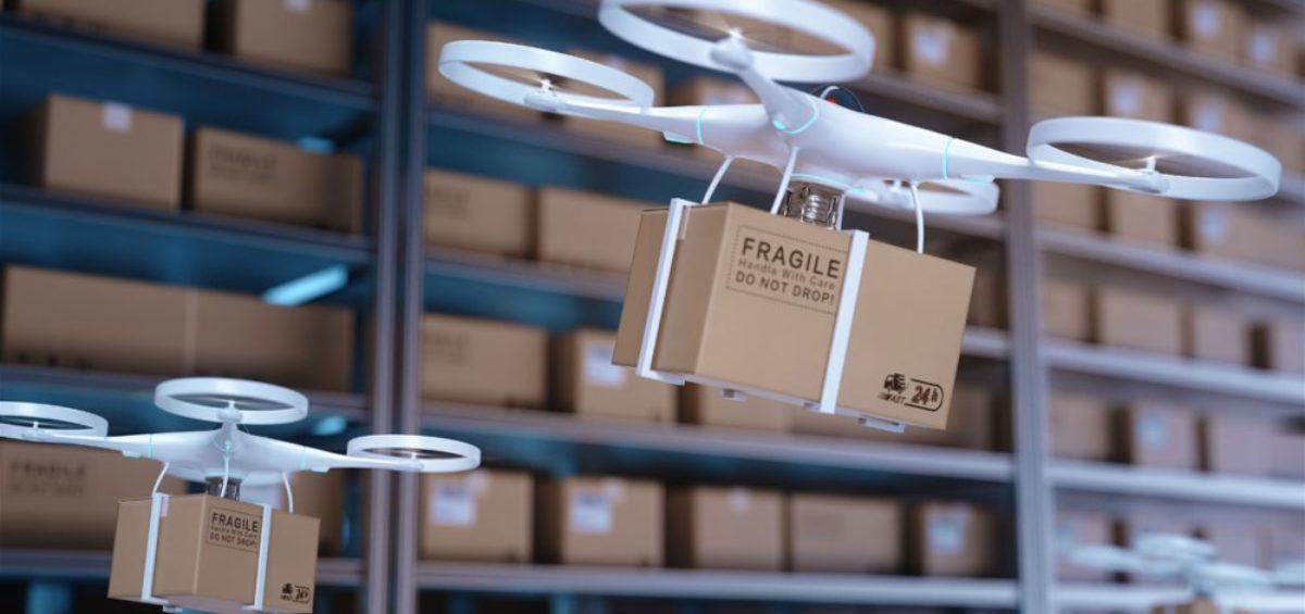 drones llevando mercancía en logística