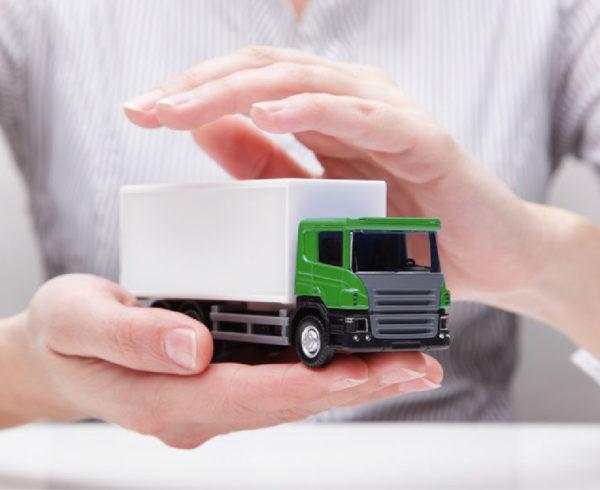 seguro de transporte en manos